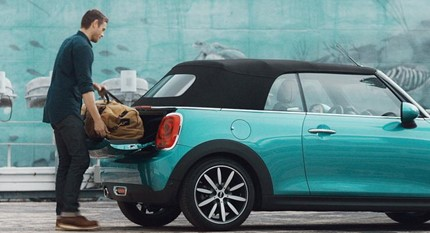 MINI CABRIO – EASY LOAD FUNKCIJA